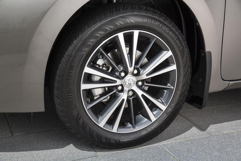 2017 Toyota Corolla LE - 018