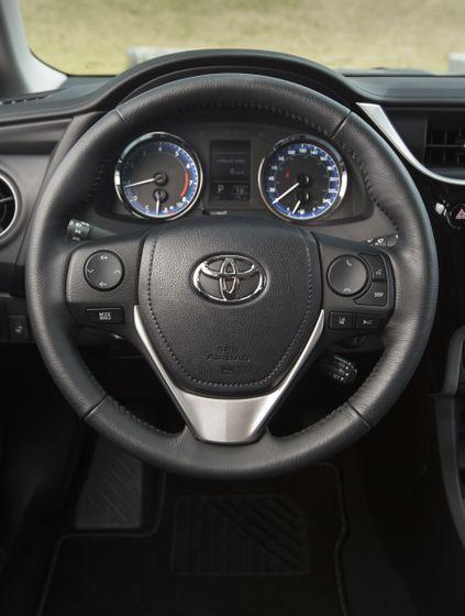 2017 Toyota Corolla LE - 022
