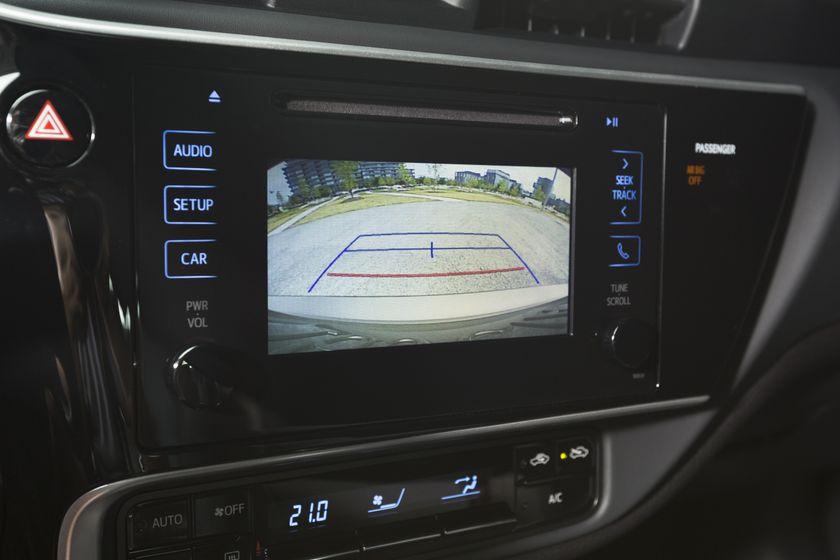 2017 Toyota Corolla LE - 024