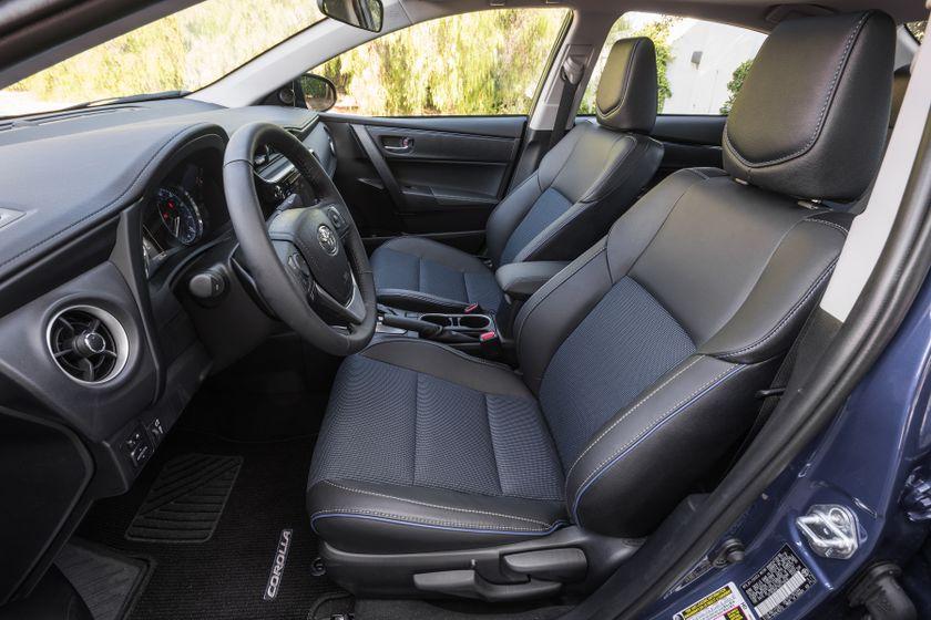 2017 Toyota Corolla SE - 010