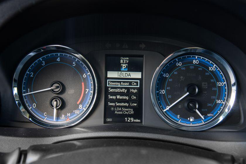 2017 Toyota Corolla SE - 017