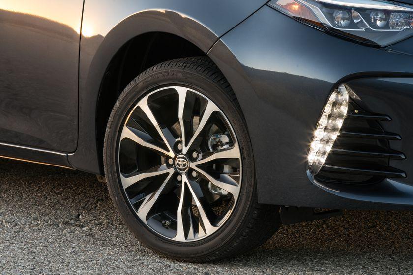 2017 Toyota Corolla XSE - 022