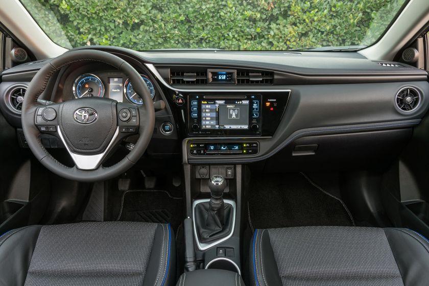 2017 Toyota Corolla XSE - 023