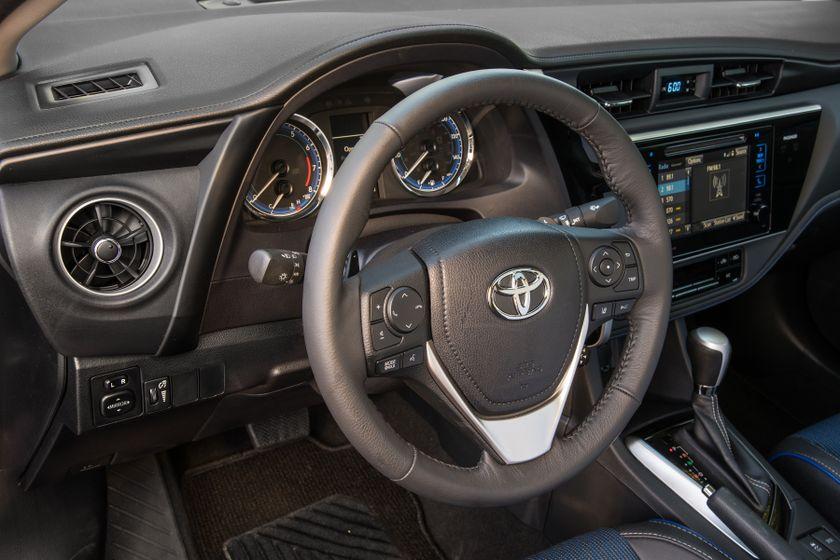 2017 Toyota Corolla XSE - 024