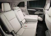 2017_Toyota_Highlander_XLE_AWD_027