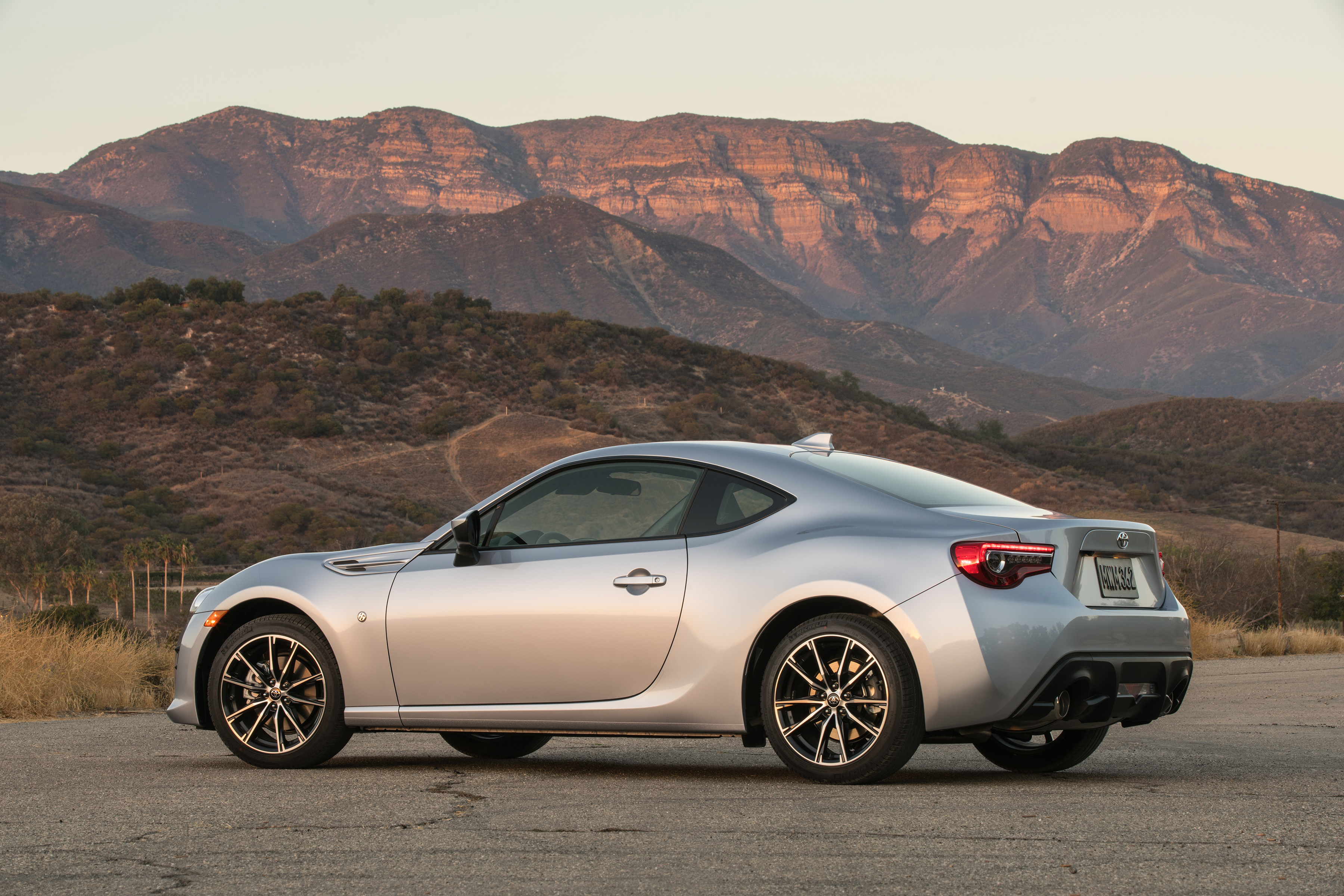 reignite your passion for driving the new toyota 86 brings sporty driving back for 2017 oct 04. Black Bedroom Furniture Sets. Home Design Ideas
