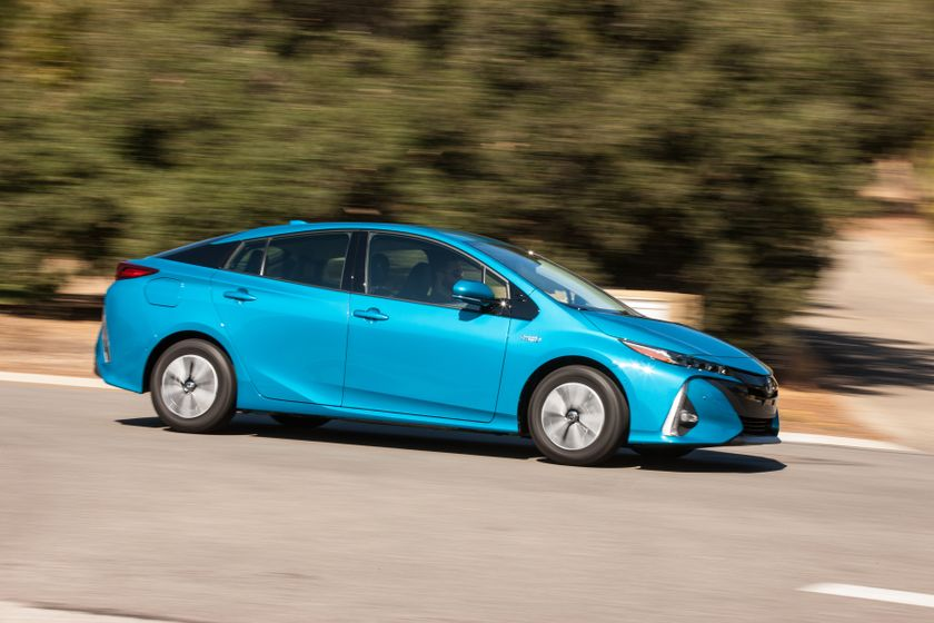 2017 Toyota Prius Prime Advanced 001