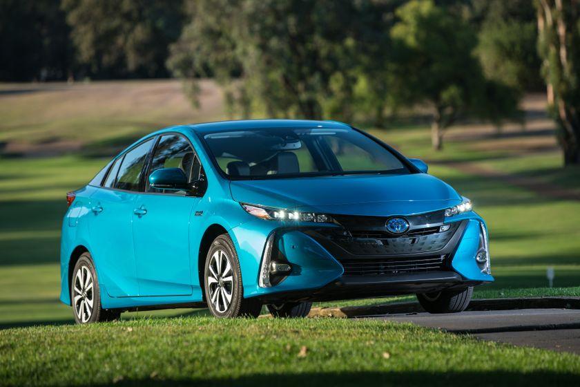 2017 Toyota Prius Prime Advanced 009