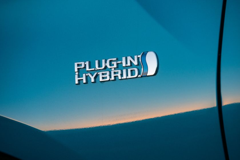 2017 Toyota Prius Prime Advanced 015