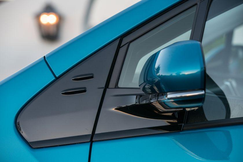 2017 Toyota Prius Prime Advanced 016