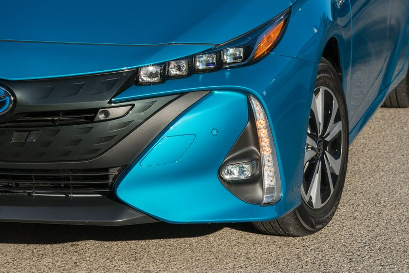 2017 Toyota Prius Prime Advanced 019