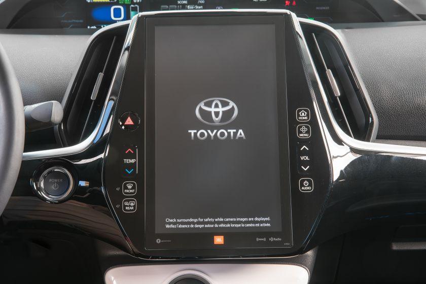 2017 Toyota Prius Prime Advanced 027