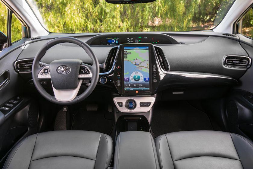 2017 Toyota Prius Prime Advanced 028