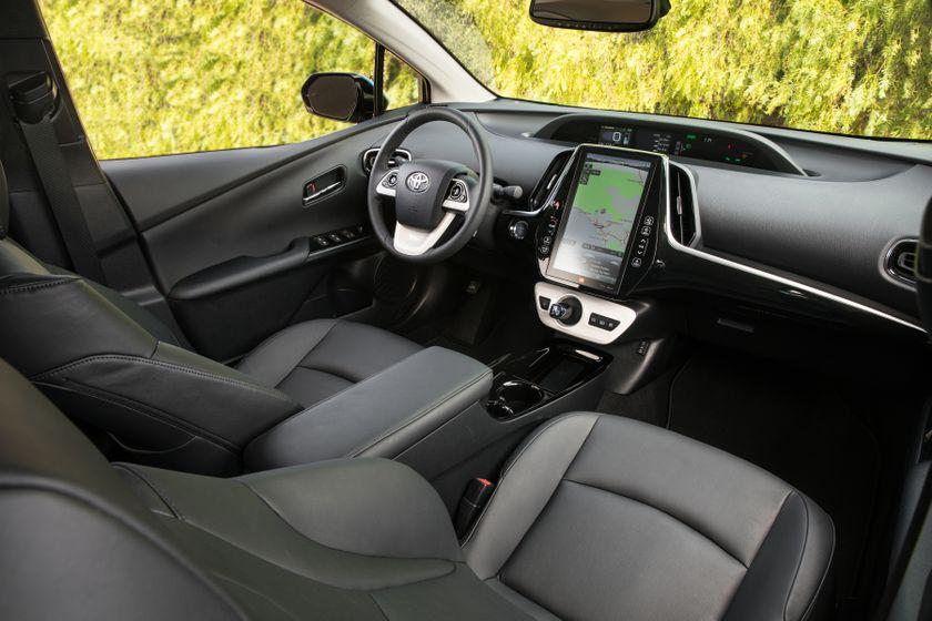 2017 Toyota Prius Prime Advanced 029