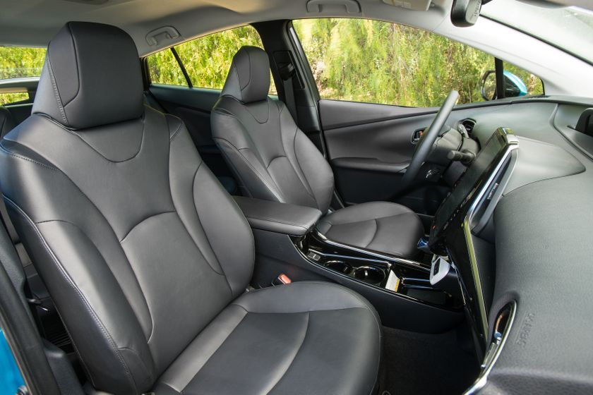 2017 Toyota Prius Prime Advanced 030