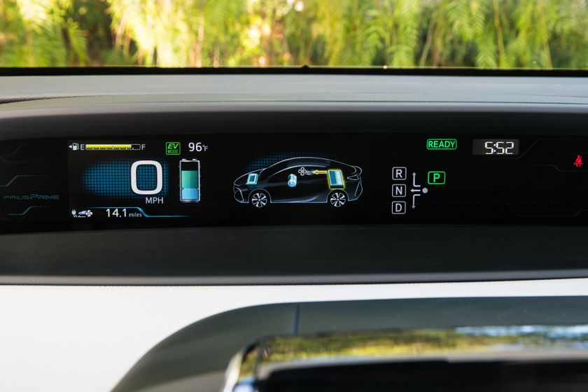 2017 Toyota Prius Prime Advanced 033