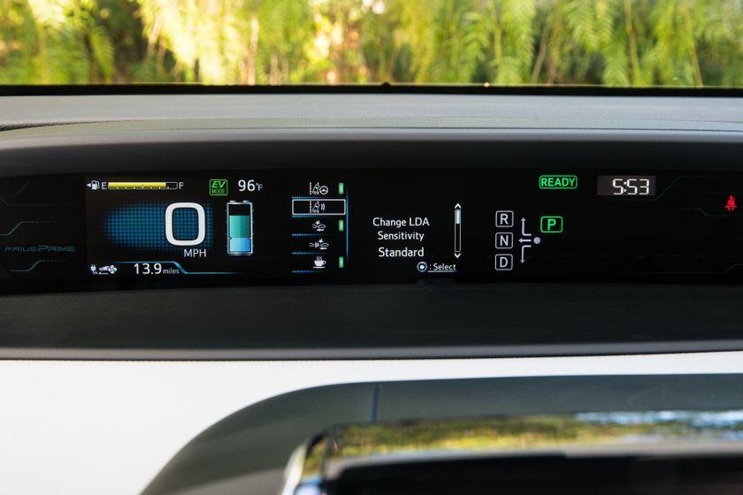 2017 Toyota Prius Prime Plus 002