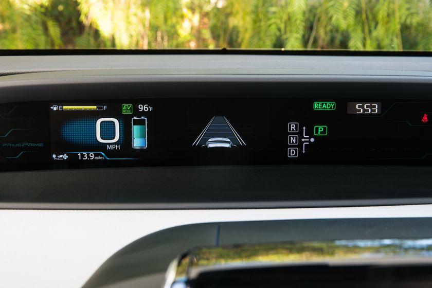 2017 Toyota Prius Prime Plus 003