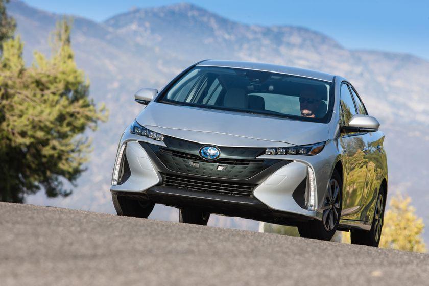 2017 Toyota Prius Prime Premium 009