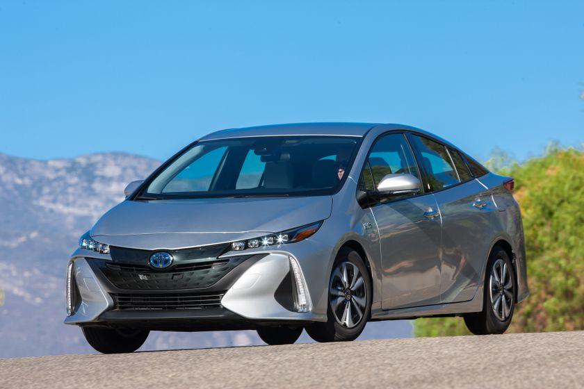 2017 Toyota Prius Prime Premium 010