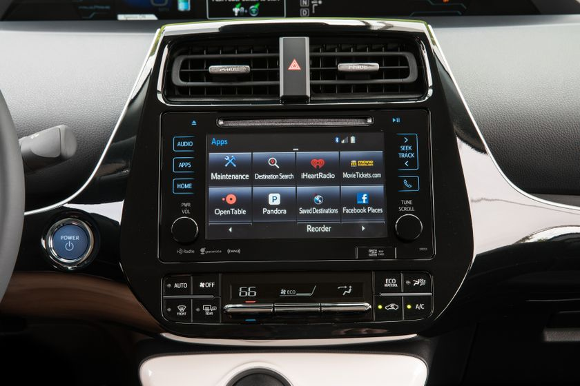 2017 Toyota Prius Prime Plus 008