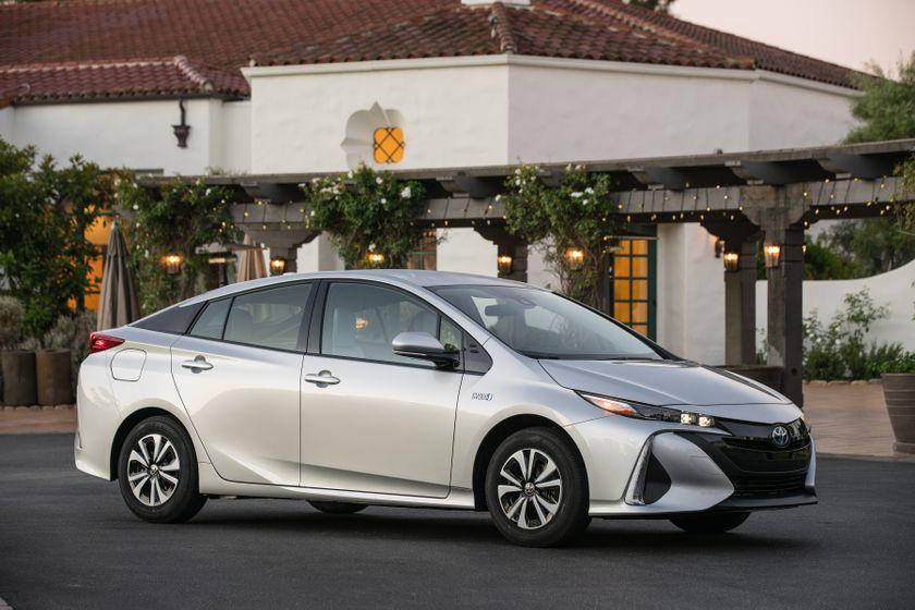 2017 Toyota Prius Prime Premium 013