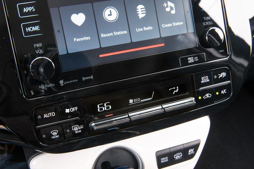2017 Toyota Prius Prime Plus 009