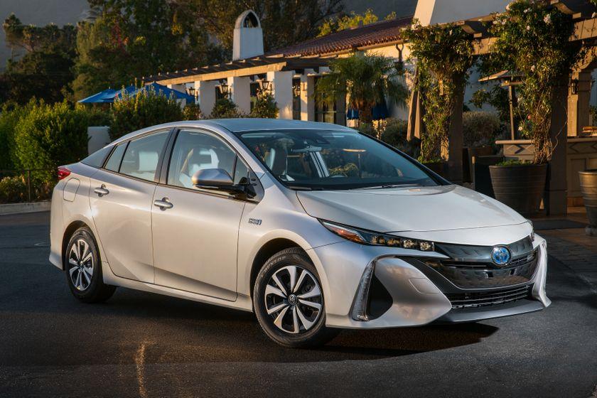 2017 Toyota Prius Prime Premium 014