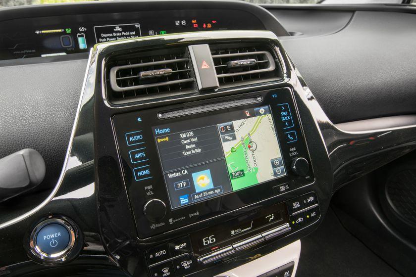 2017 Toyota Prius Prime Plus 010
