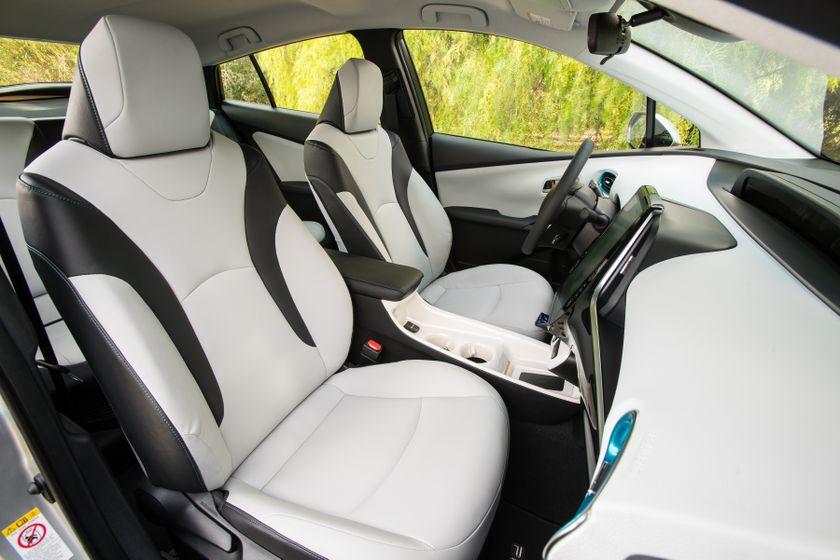2017 Toyota Prius Prime Premium 030