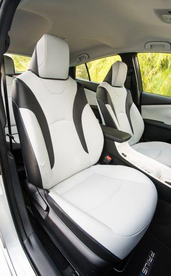 2017 Toyota Prius Prime Premium 031