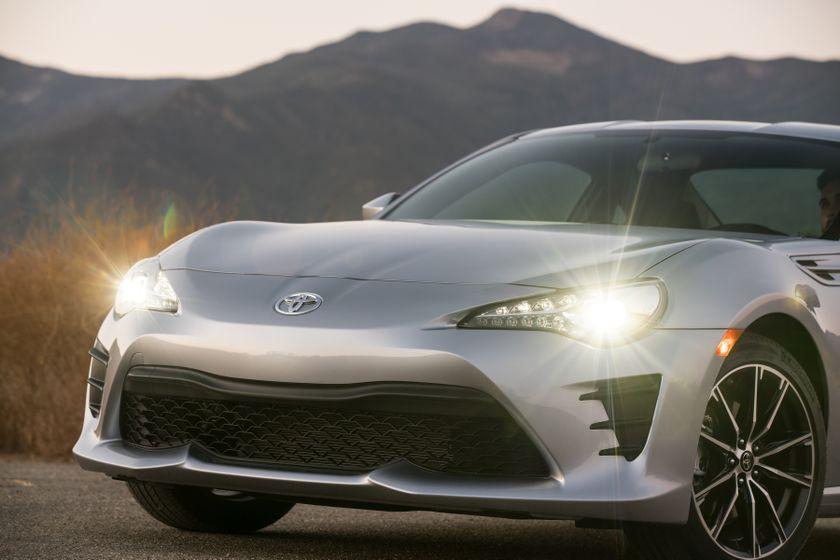 2017-2018 Toyota 86 - 034