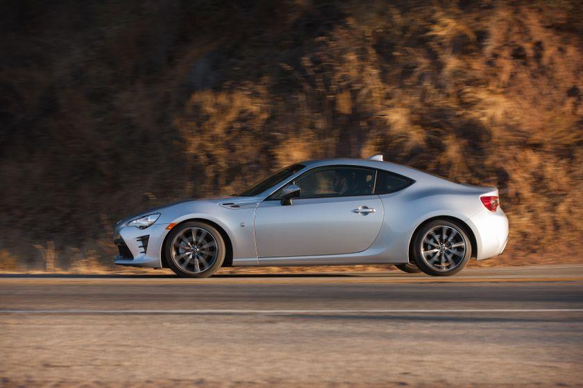 2017-2018 Toyota 86 - 037