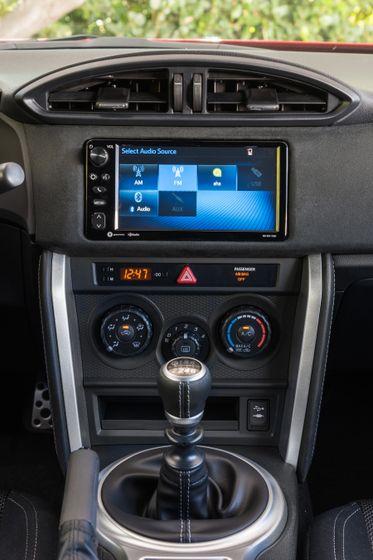 2017-2018 Toyota 86 - 041