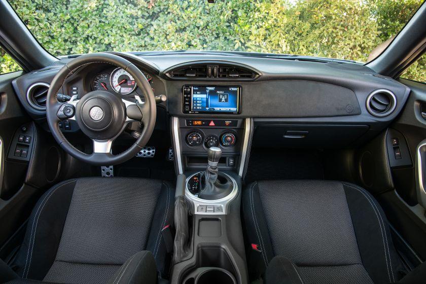 2017-2018 Toyota 86 - 049