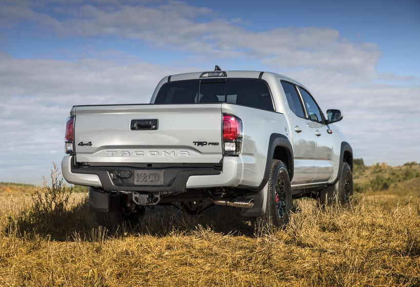 2017_Toyota_Tacoma_TRD_Pro-2