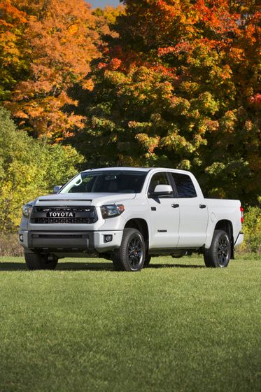 2017_Toyota_Tundra_TRD_Pro-11