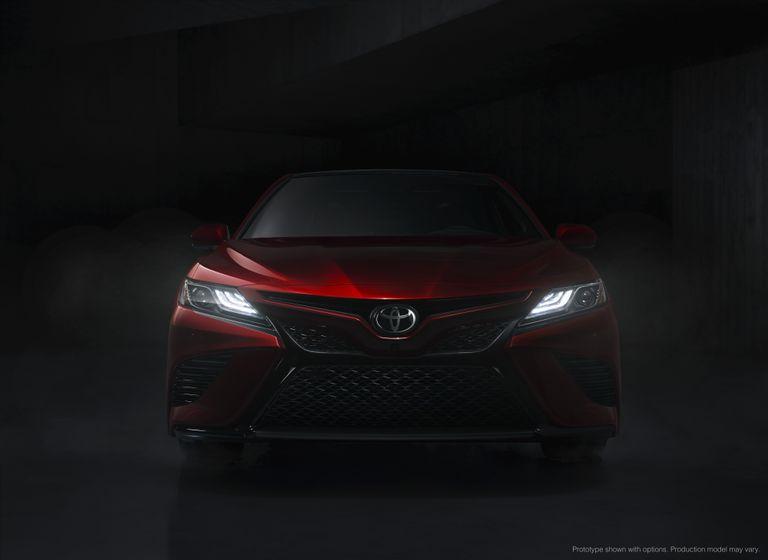 2018_Toyota_Camry_07