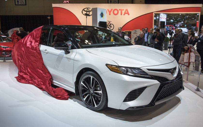 the 2018 toyota camry and camry hybrid make their canadian. Black Bedroom Furniture Sets. Home Design Ideas