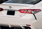 2018 Toyota Camry SE 02