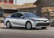 2018 Toyota Camry Hybrid LE-02