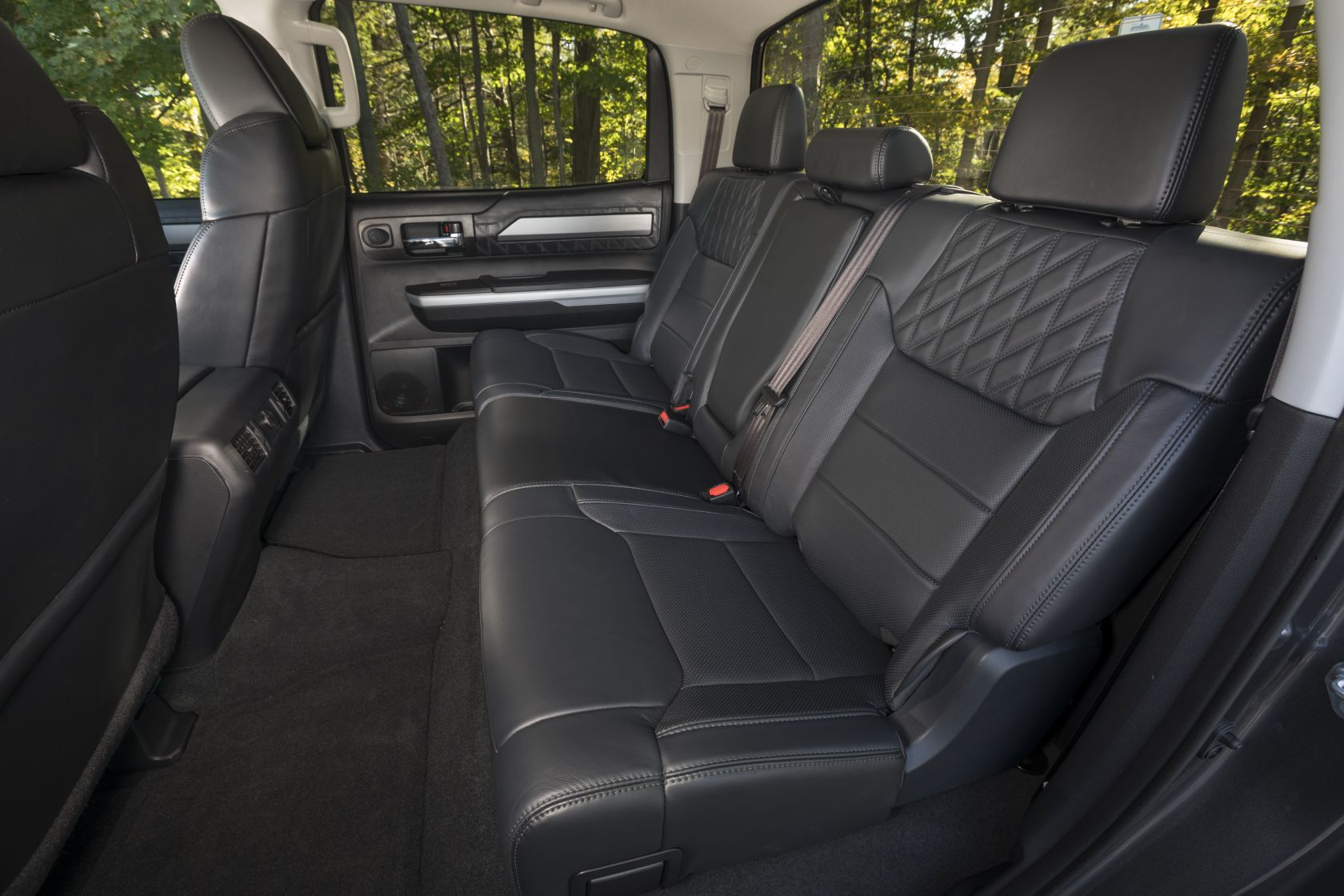 2018 Toyota Tundra Crewmax Platinum 34