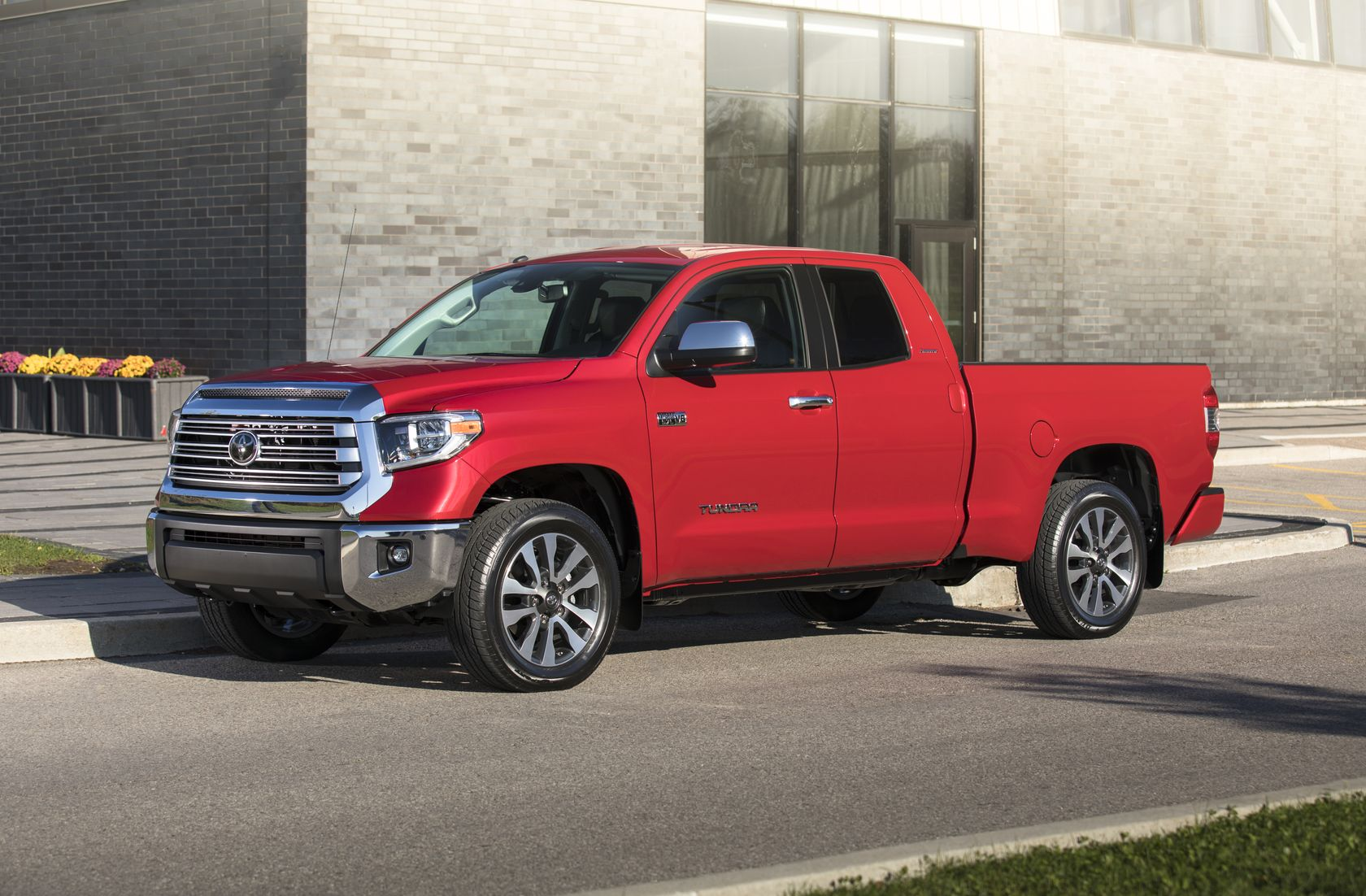 2018 Toyota Tundra Doublecab Limited 03