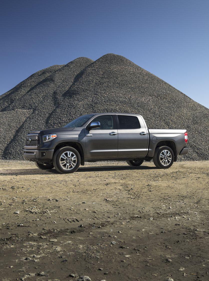 2018 Toyota Tundra Crewmax Platinum 02