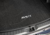 2019 Toyota RAV4 XSE HV Silver Sky Metallic 81
