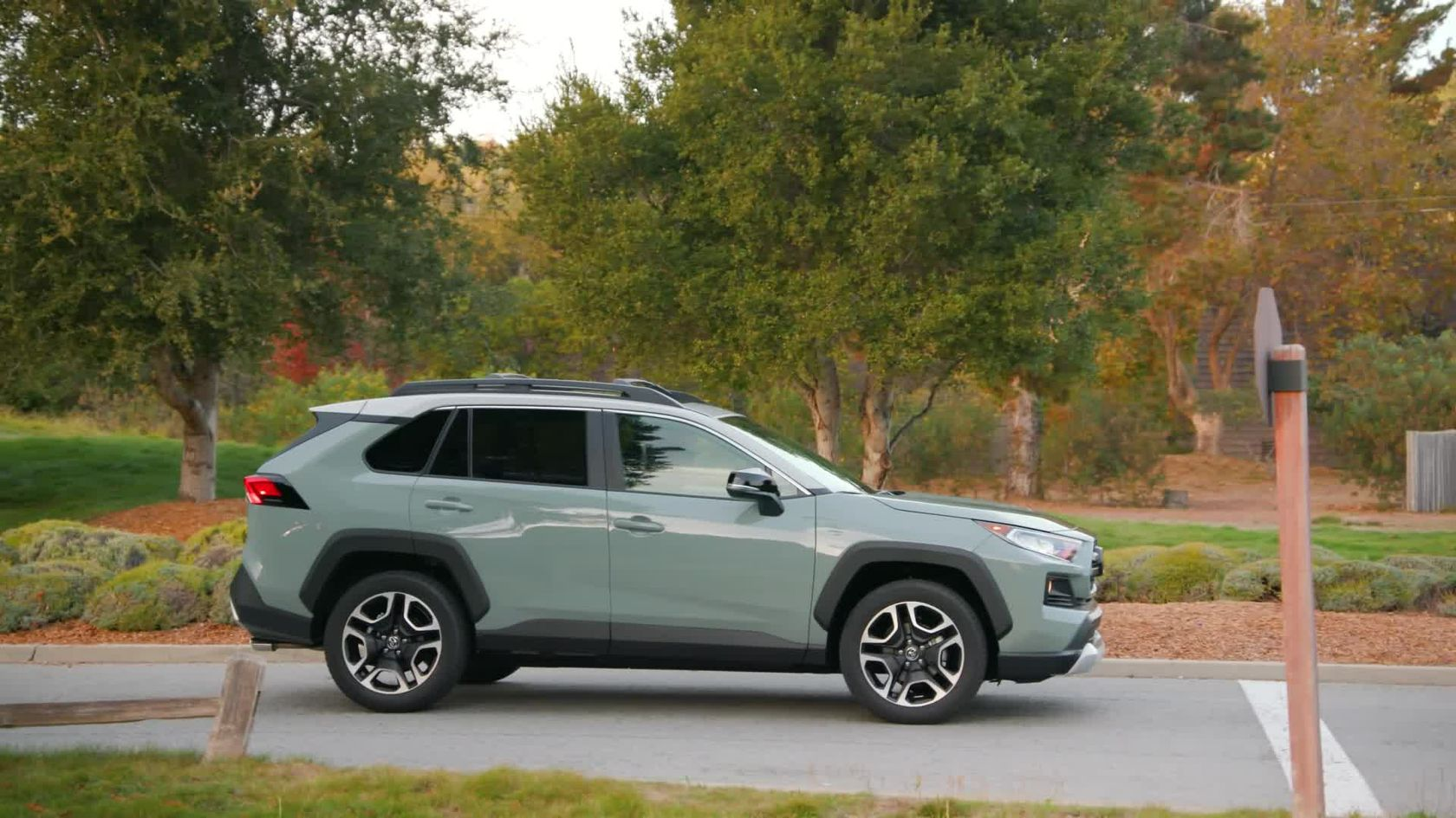 2019 Toyota RAV4 Adventure Lunar Rock Ice Edge Roof B-roll