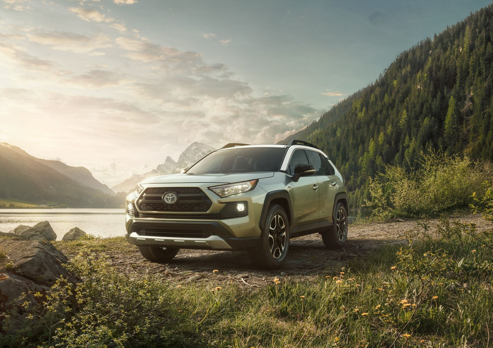 All New 2019 Toyota Rav4 Serves Up A Breakthrough Debut At New York
