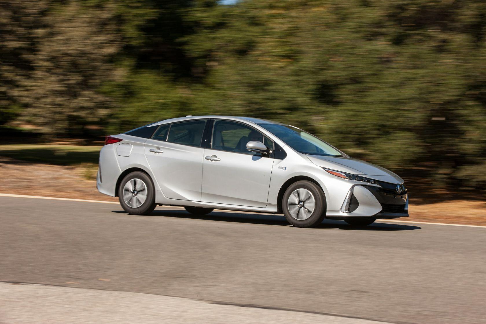 2017 Toyota Prius Prime Premium 001