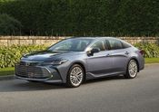 2019 Toyota Avalon Limited 03