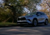 2020 Toyota Highlander Platinum AWD Moon Dust Exterior B-ROLL